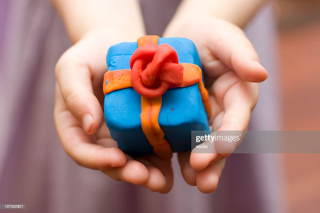 Сделать подарок из пластилина 653