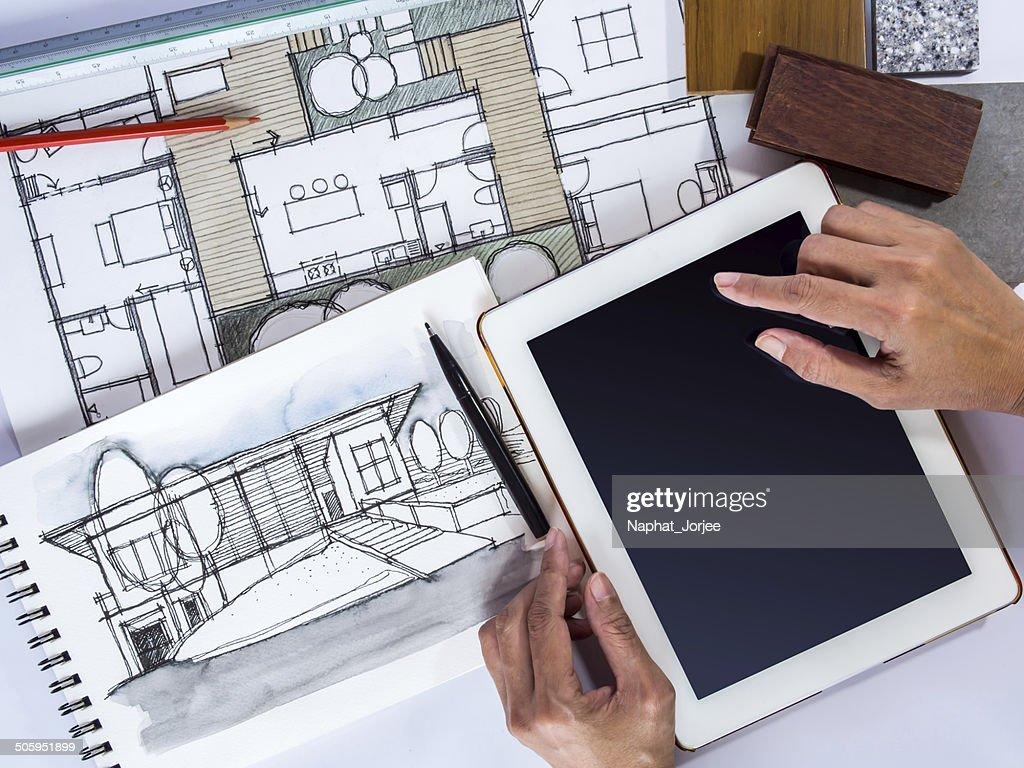 Hand Holding Tablet Mit Architektur Zeichnung, Home Renovierung Konzept :  Stock Foto