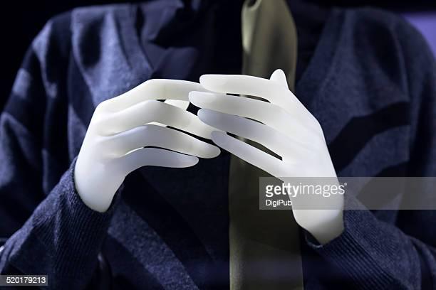 Hands of dummy