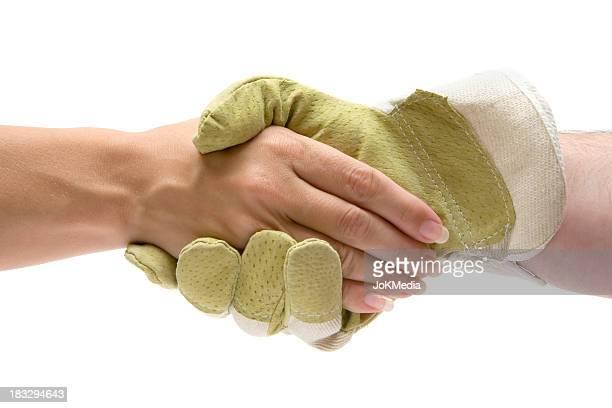 Poignée de main de travailleur