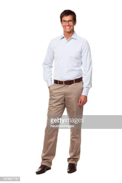 Atractivo hombre de negocios usando copas y sonriendo. Aislado