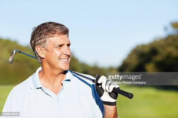 Golfeur souriant Bel