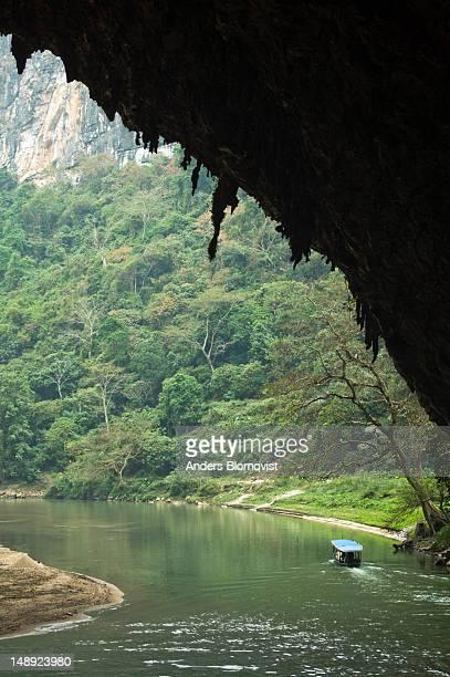 Hang Phuong Cave.