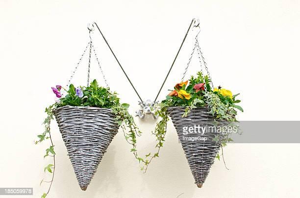 Suspension florale photos et images de collection getty - Suspension florale exterieure ...
