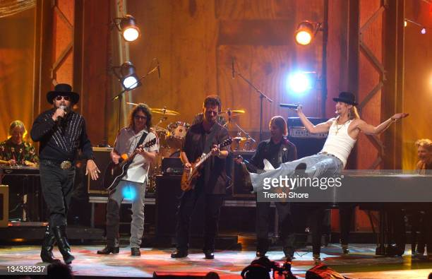 Hank Williams Jr Kid Rock perform 'The ''F' Song' at the 37th Academy of Country Music Awards Show