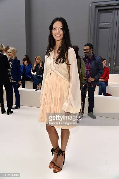 Hanna O'Neill attends the Chloe show as part of the Paris Fashion Week Womenswear Spring/Summer 2017 on September 29 2016 in Paris France