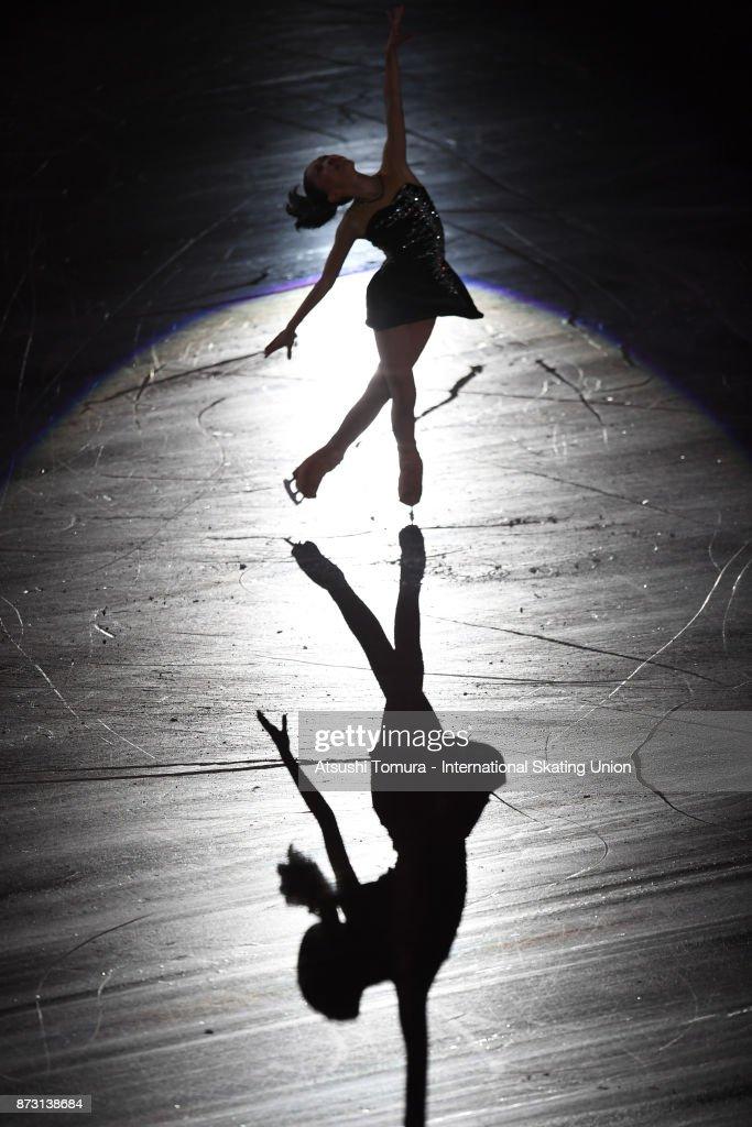 Hanna Yohsida of Japan performs in the gala exhibition during the ISU Grand Prix of Figure Skating at Osaka municipal central gymnasium on November 12, 2017 in Osaka, Japan.