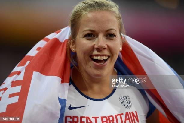 Hannah Cockroft of Great Britain celebrates winning the Women's 400m T34 during day seven of the IPC World ParaAthletics Championships 2017 at London...