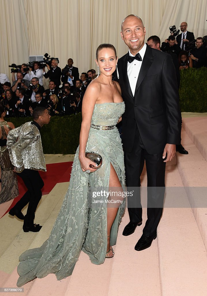 Hannah Davis (L) and Derek Jeter attend the 'Manus x Machina: Fashion In An Age Of Technology' Costume Institute Gala at Metropolitan Museum of Art on May 2, 2016 in New York City.