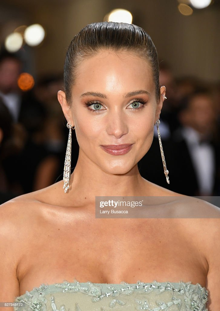 Hannah Davis attends the 'Manus x Machina: Fashion In An Age Of Technology' Costume Institute Gala at Metropolitan Museum of Art on May 2, 2016 in New York City.
