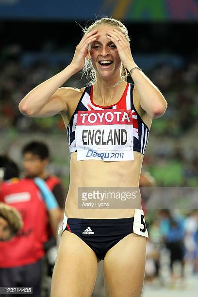 Hannah England of Great Britain celebrates after claiming silver in the women's 1500 metres final during day six of the 13th IAAF World Athletics...