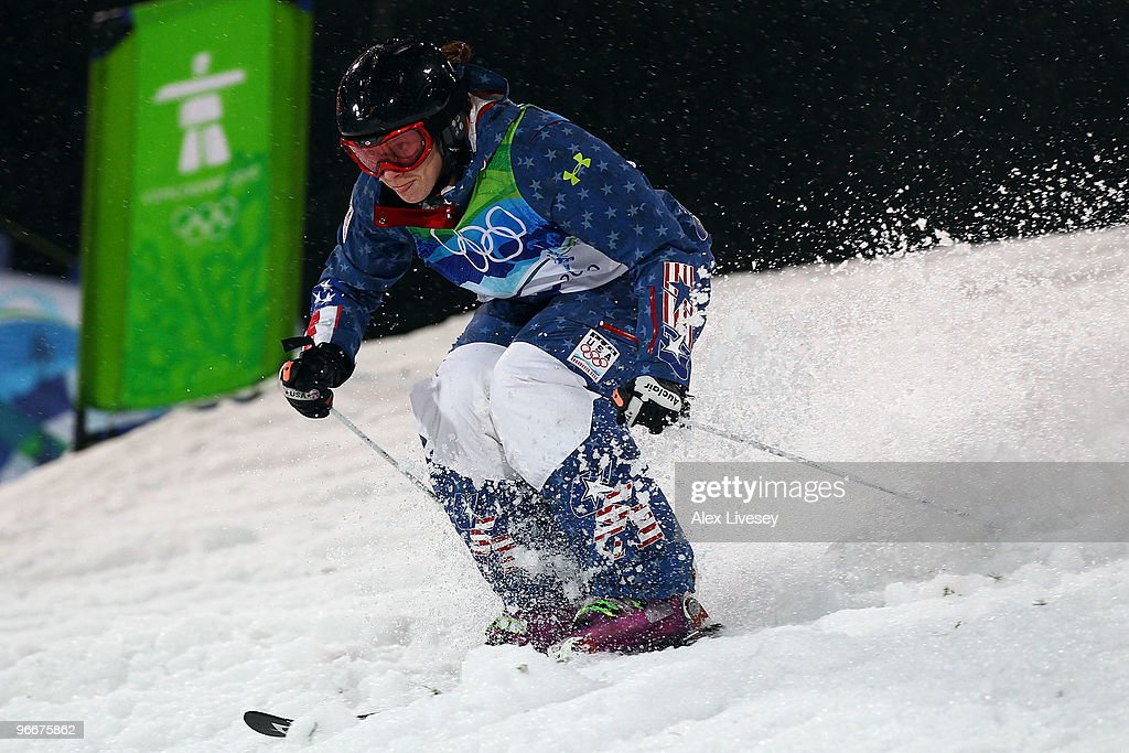 <a gi-track='captionPersonalityLinkClicked' href=/galleries/search?phrase=Hannah+Kearney&family=editorial&specificpeople=228988 ng-click='$event.stopPropagation()'>Hannah Kearney</a> of United States competes in the women's freestyle skiing moguls final on day 2 of the Vancouver 2010 Winter Olympics at Cypress Mountain Resort on February 13, 2010 in Vancouver, Canada.
