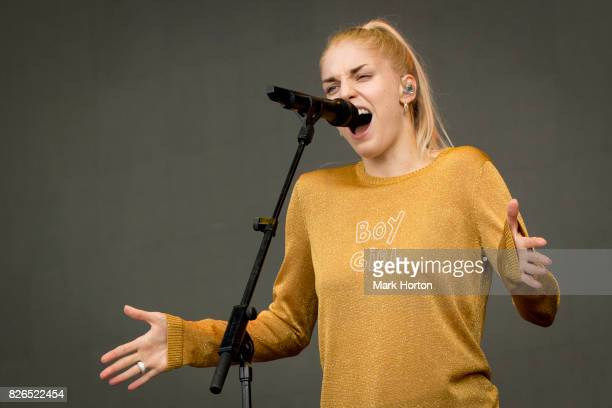 Hannah Reid of London Grammar performs on Day 1 of the Osheaga Music and Art Festival at Parc JeanDrapeau on August 4 2017 in Montreal Canada