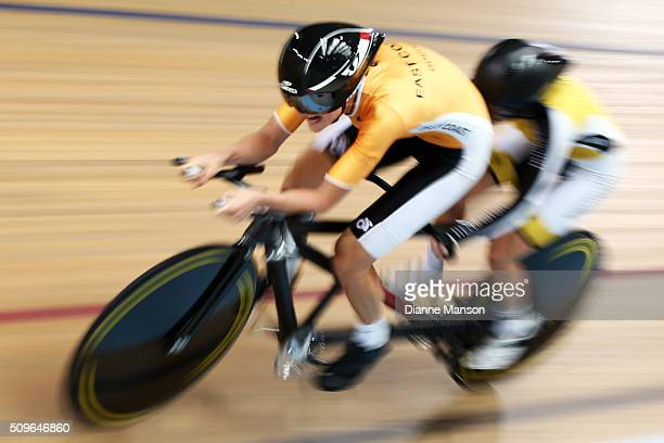 Hannah van Kampen and Amanda Cameron of Wellington compete in the Paracyclist Women Tandem 3000m Individual Pursuit during the New Zealand Track...