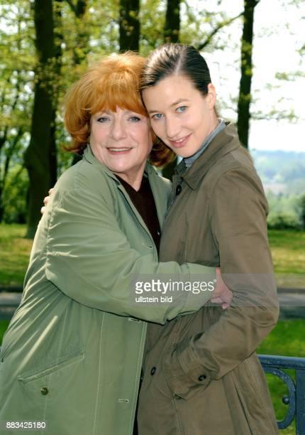 Hannelore Hoger und Johanna Wokalek die Schauspielerinnen sind die Hauptdarstelleinnen in der ZDFKrimifolge 'Bella Block û Blackout'