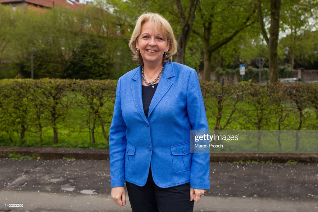Hannelore Kraft, lead candidate for the German Social Democrats (SPD) in elections in North Rhine-Westphalia, arrives at a town hall meeting on April 22, 2012 in Hoexter, Germany. North Rhine-Westphalia, the biggest of Germany's 15 states, is scheduled to hold elections on May 13.