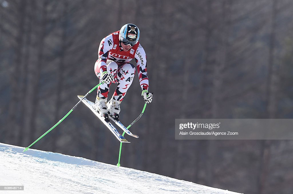 <a gi-track='captionPersonalityLinkClicked' href=/galleries/search?phrase=Hannes+Reichelt&family=editorial&specificpeople=791419 ng-click='$event.stopPropagation()'>Hannes Reichelt</a> of Austria competes during the Audi FIS Alpine Ski World Cup Men's Downhill on January 06, 2016 in Jeongseon, South Korea.