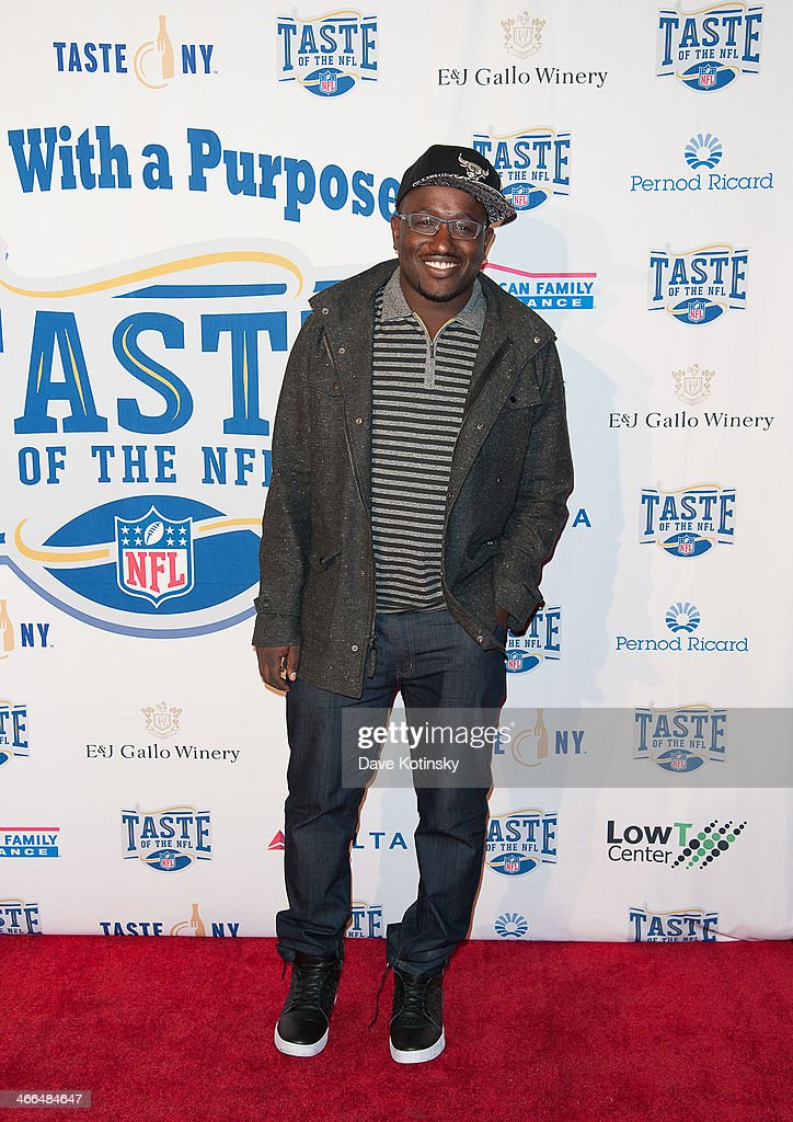 <a gi-track='captionPersonalityLinkClicked' href=/galleries/search?phrase=Hannibal+Buress&family=editorial&specificpeople=4517735 ng-click='$event.stopPropagation()'>Hannibal Buress</a> arrives at the Taste Of The NFL 'Party With A Purpose' at Brooklyn Cruise Terminal on February 1, 2014 in New York City.