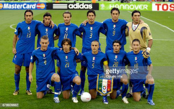 Hannover 12 juin 2006 ITALY Team Shot before the World Cup Germany 2006 between Italy and Ghana From top Left Nesta Zaccardo Gilardino Grosso Toni...