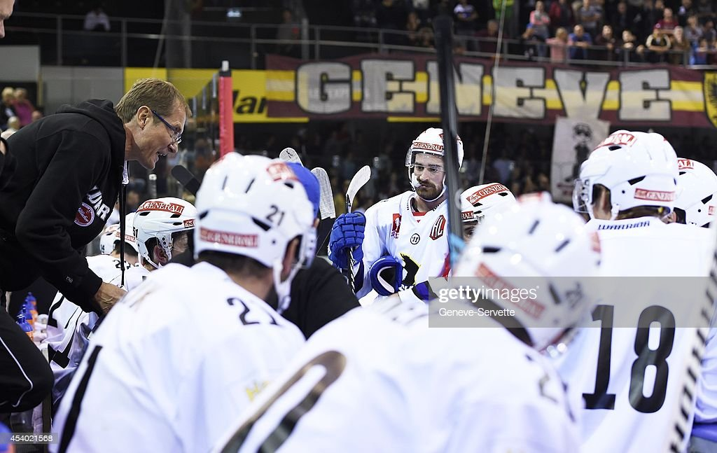 Hannu Jarvenpaa coach of Villach SV speaks to his players during the Champions Hockey League group stage game between Geneve-Servette and Villach SV on August 23, 2014 in Geneva, Switzerland.