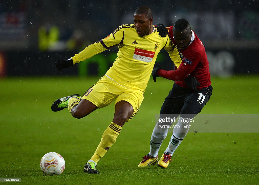 Hanover's Ivorian striker Didier Ya Konan (R) vies for the ball with Anzhi Makhachkala's Brazilian midfielder Jucilei during the UEFA Europa League Round of 32 football match Hannover 96 vs FC Anzhi Makhachkala in Hanover, northern Germany on February 21, 2013.