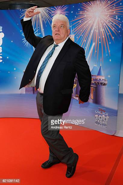 Hans Meiser attends the premiere of 'Disney on Ice 100 Jahre voller Zauber' at Lanxess Arena on November 4 2016 in Cologne Germany