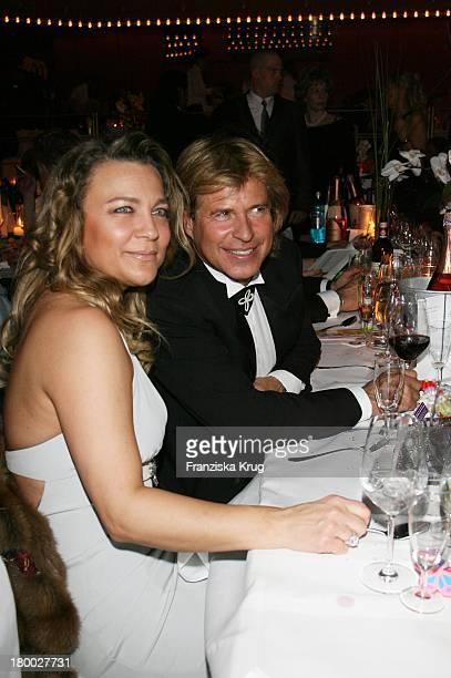 Hansi Hinterseer Und Seine Ehefrau Romana Bei '25 Jahre Deutscher Opernball' Am 240207 In Frankfurt