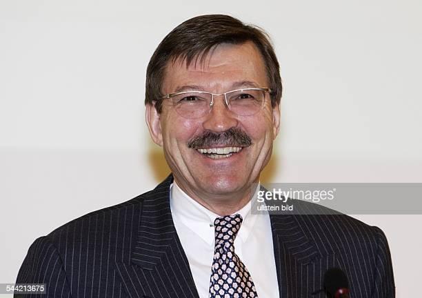 HansJoachim KOERBER Vorstandsvorsitzender der Metro Group