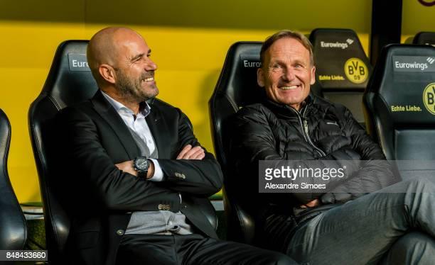 HansJoachim Watzke CEO of Borussia Dortmund together with head coach Peter Bosz prior to the Bundesliga match between Borussia Dortmund and 1 FC...
