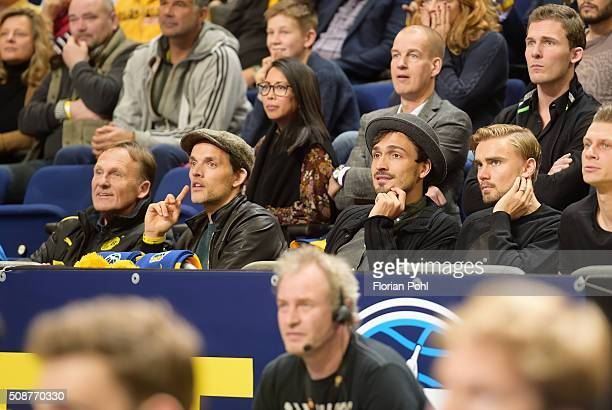 HansJoachim Watzke coach Thomas Tuchel Mats Hummels and Marcel Schmelzer of Borussia Dortmund during the game between Alba Berlin and the MHP Riesen...