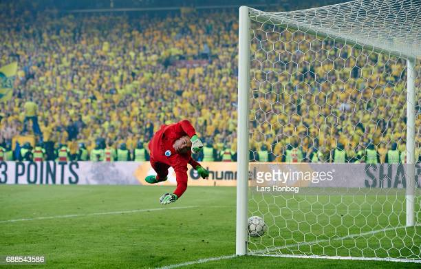 Hany Mukhtar kicks the ball at the crossbar with Goalkeeper Stephan Andersen of FC Copenhagen in action during of Brondby IF the Danish Cup Final DBU...