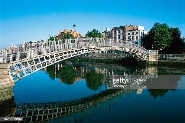 Ha'penny Bridge over River Liffey, Dublin, Eire