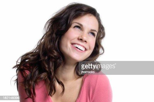 Heureuse jeune femme et lumineuse