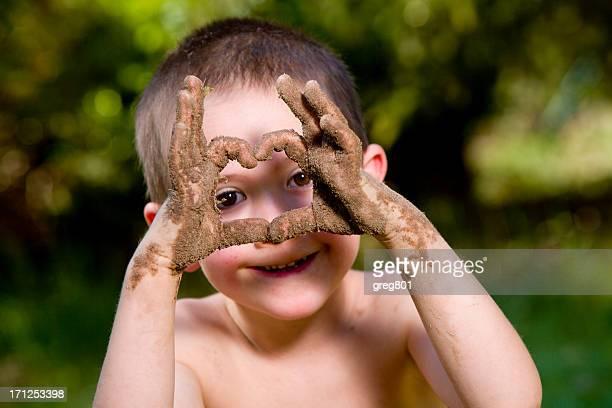 happy baby und schmutzigen Händen XXXL