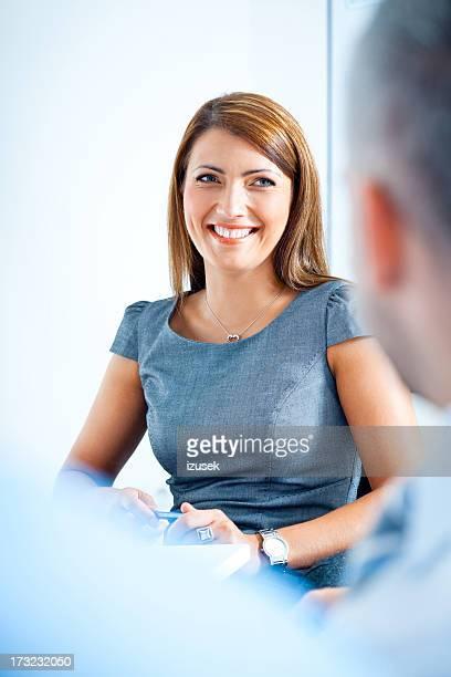 Zufrieden Geschäftsfrau