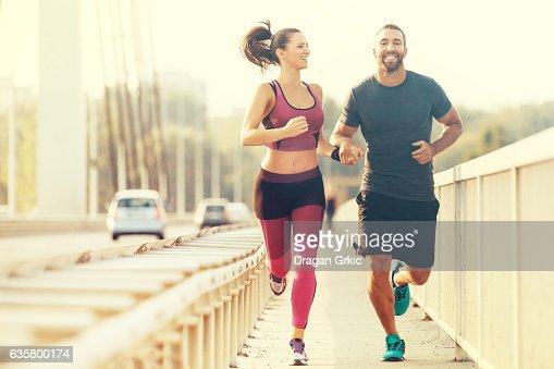 Glückliches Paar Joggen : Stock-Foto