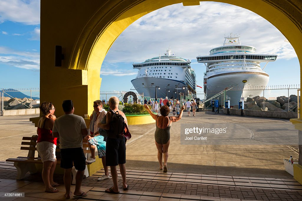 Happy cruise life in St. Kitts : Stock Photo