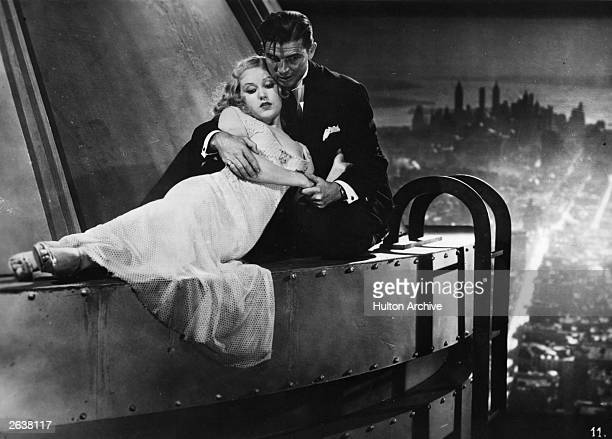 A happy ending as Bruce Cabot the square jawed American hero and Fay Wray the American leading lady are reunited high above New York in a scene from...