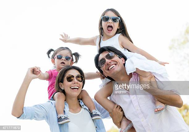 Família feliz nas férias