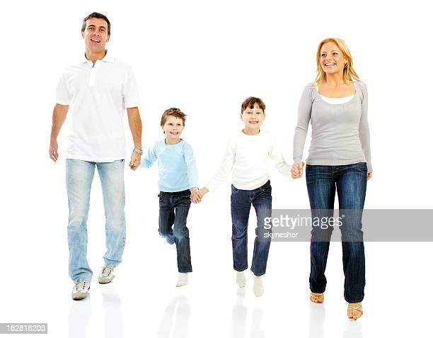 Glückliche Familie gehen zusammen.