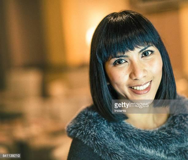 Mulher de Negócios feliz Filipina