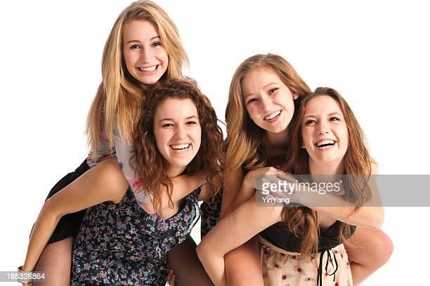 Heureux de rire joyeux jeunes adolescentes entre amis dans un arrière-plan blanc