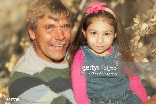 Девушка с взрослым дядей фото 733-463