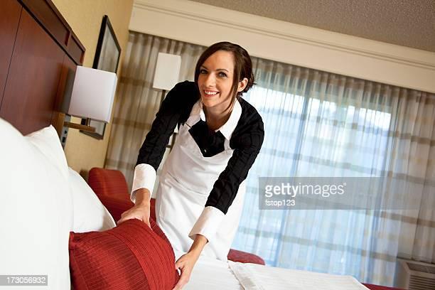 femme de chambre lit photos et images de collection getty images. Black Bedroom Furniture Sets. Home Design Ideas