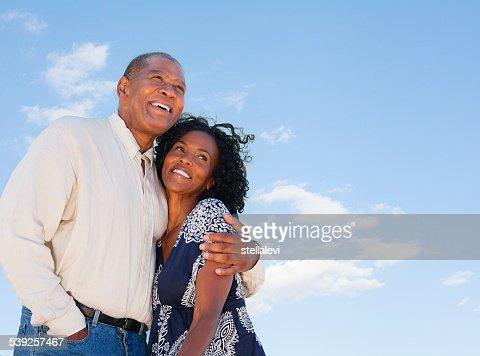 Felice maturo coppia afro-americana
