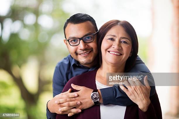 Feliz madre y su hijo