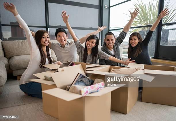 Heureux les collocatrices Changement de logement