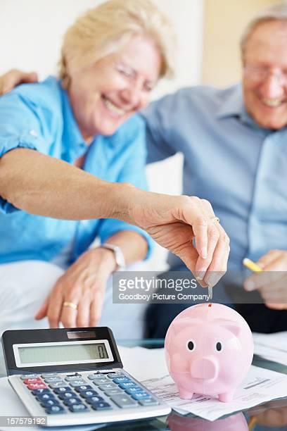 Glücklich altes Paar Sparen wie zu Hause fühlen.