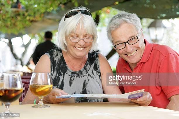 Heureux Couple Senior touristique