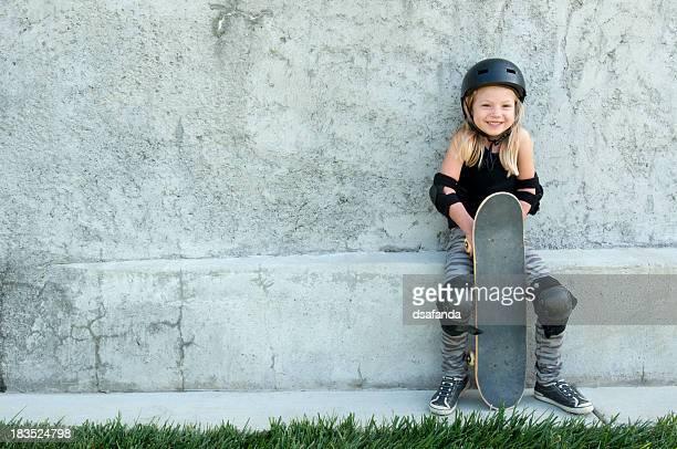 Happy Skateboard-Mädchen